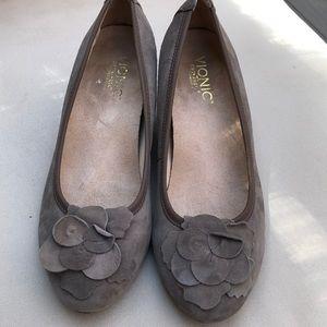 Vionic Pump Wedges shoes size 8